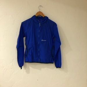 Cotopaxi light jacket in blue
